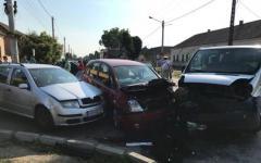 <em>Hír szerkesztése</em> Tömegbaleset Pécskán
