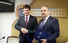 <em>Hír szerkesztése</em> Arad–Békés: megújították az együttműködési megállapodást