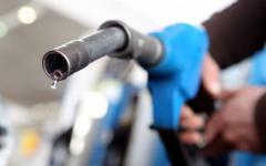 <em>Hír szerkesztése</em> Eltörölték az üzemanyag pótlólagos adóját és a részmunkaidősök többlet tb-járulékát