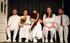 <em>Hír szerkesztése</em> Online előadás az Aradi Kamaraszínház műsorán