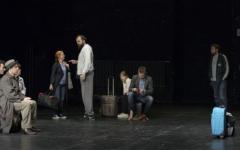 <em>Hír szerkesztése</em> EXIT: négynyelvű előadás a nagyszínházban