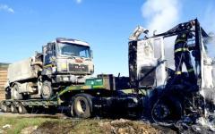 <em>Hír szerkesztése</em> Kiégett egy kamion Németság és Vinga között