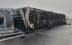 <em>Hír szerkesztése</em> Kiégett egy kamion az autópálya-határátkelőnél
