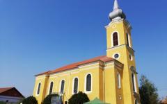 <em>Hír szerkesztése</em> Megáldották a felújított kisiratosi templomot [AUDIO]