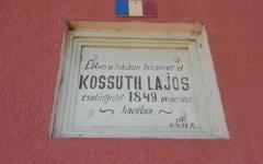 <em>Hír szerkesztése</em> Ismét látható a Kossuth-tábla
