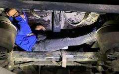 <em>Hír szerkesztése</em> Migránsok a kamion tengelyén és a csomagtartóban