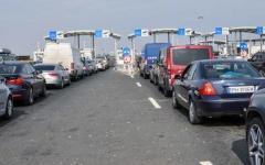 <em>Hír szerkesztése</em> Kedden is torlódás alakult ki az autópálya-határátkelőnél