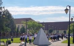 <em>Hír szerkesztése</em> Elballagtak a pécskai 2-es számú Általános Iskola végzősei