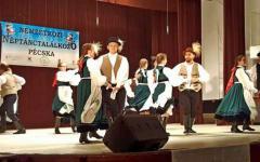 <em>Hír szerkesztése</em> Magyar néptáncok három országból egy színpadon
