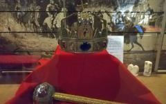 <em>Hír szerkesztése</em> Kárpát-medencei ritkaság az aradi Szent Korona-másolat [AUDIO]
