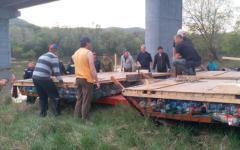 <em>Hír szerkesztése</em> Már Arad megyében tutajoznak a gyergyói tűzoltók
