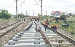 <em>Hír szerkesztése</em> Több mint egymilliárd euró a Kürtöstől a Fekete-tengerig tartós vasút felújítására