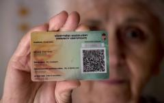 <em>Hír szerkesztése</em> Külhoni magyar állampolgárok is kaphatnak védettségi igazolványt