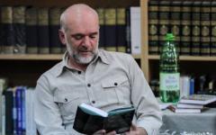 <em>Hír szerkesztése</em> Déry-díjat kapott Vida Gábor