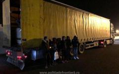 <em>Hír szerkesztése</em> Öt vietnámit találtak egy kamionban