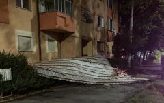 <em>Hír szerkesztése</em> Háztetőket rongált meg, fákat csavart ki a vihar Arad megyében [FRISSÍTVE]