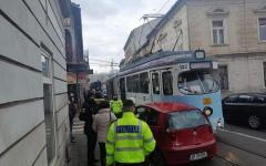 <em>Hír szerkesztése</em> Villamossal ütközött egy friss jogsis sofőr